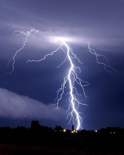 lightning_resize.jpg